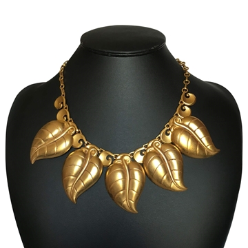 Sue Askew Leaf motif gold vintage Necklace
