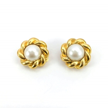 Chanel 1980s Gold Plated Pearl vintage Earrings