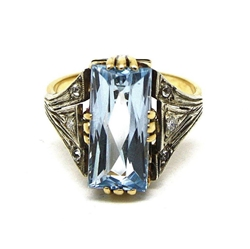 Antique Aquamarine & 18ct gold ring