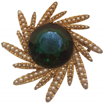 Har 1980s Spinning Star Gold Tone and Green Stone Vintage Ring