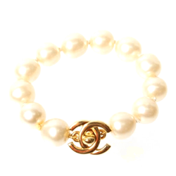Chanel 1990s Turn-lock Pearl & gold tone vintage Bracelet