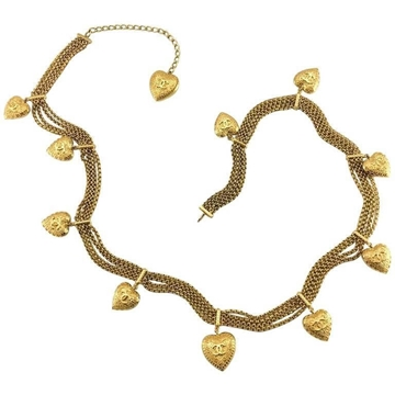 Chanel 1996 Baroque style Heart gold tone long vintage Necklace