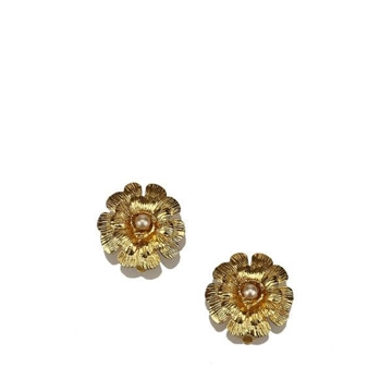 Chanel Faux Pearl Floral Gold Tone Clip On vintage Earrings