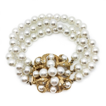 Florenza 1950s-1960s Triple Strand Gilt and Faux White Pearl Vintage Bracelet