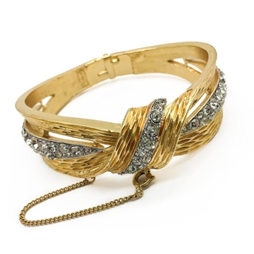 Trifari c.1960s Knot Gilt Rhinestone Vintage Bangle