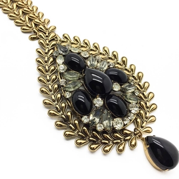 Original By Robert 1960's Foliate Chain and Tear Drop Black Stone Vintage Necklace