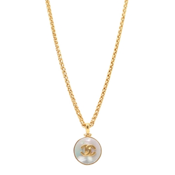 Chanel 1990s Circular Pearlised Stone CC Pendant Gold Tone Vintage Necklace
