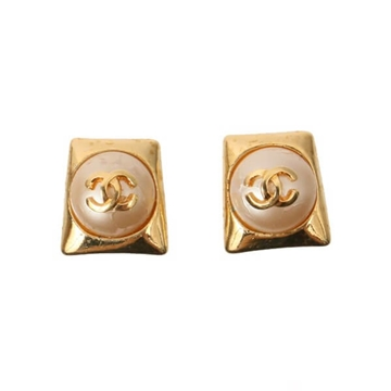 Chanel 1990s Square Pearl Gold Tone Vintage Earrings